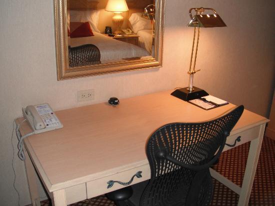 Hilton Garden Inn Flagstaff: Desk