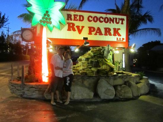 Red Coconut RV Park: Front Entrance