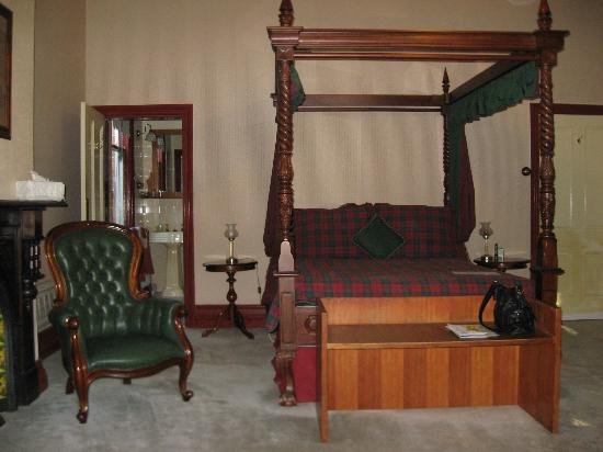 Ormiston House: The beautiful F.O. Henry room