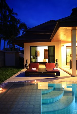 Phuket Pool Residence: Exterieur nuit