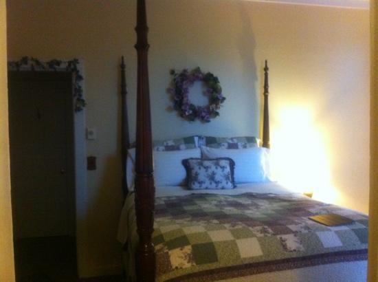 Nicholson House Inn: room 1