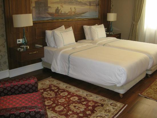 Neorion Hotel: Extremely comfortable beds