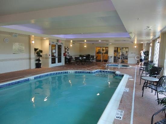 Hilton Garden Inn Ridgefield Park: The pool!