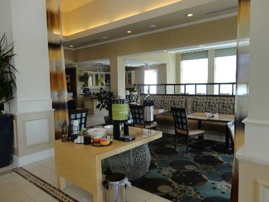 Hilton Garden Inn Ridgefield Park: Lobby!