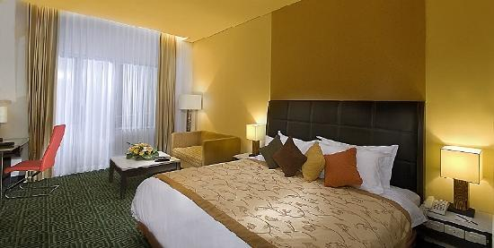 Golden Flower: Deluxe Room