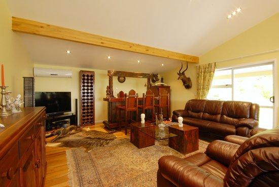 เบลร๊อคลอดจ์: Guest Lounge
