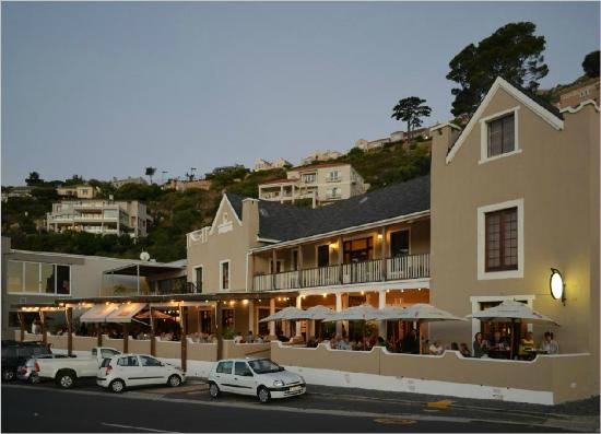 Chapmans Peak Beach Hotel: The old hotel building