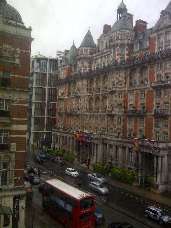 The Park Tower Knightsbridge, A Luxury Collection Hotel, London: Outside view from the room