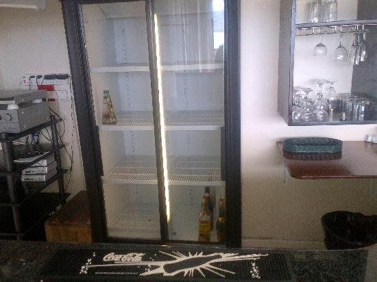 Knysna Terrace: Bar fridge... nothing