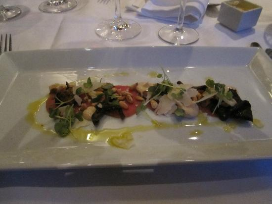 Restaurang Sjomagasinet : Starter, carpaccio of veal