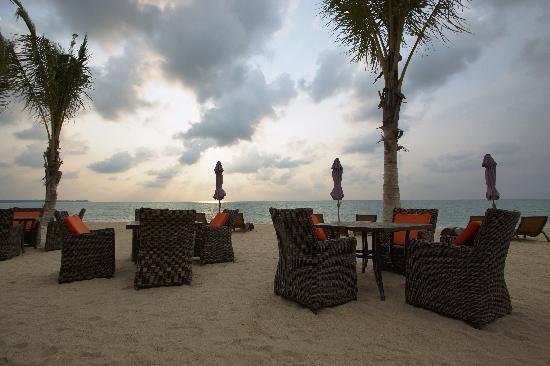 Beyond Resort Khaolak: Hotelstrand