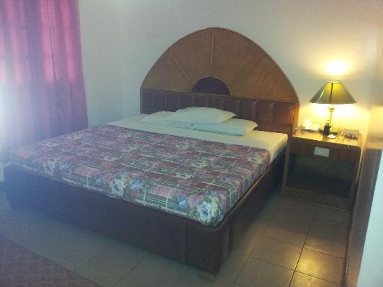 Gingoog Mountain Air Hotel and Restaurant: Comfy Bed