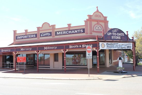 Coolamon, Australia: The Store