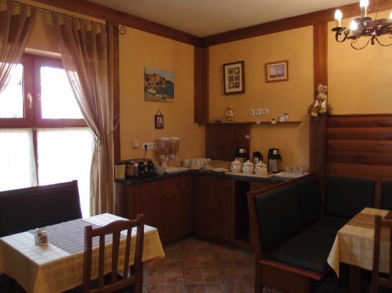 Gibraltar Vendeghaz: dining room