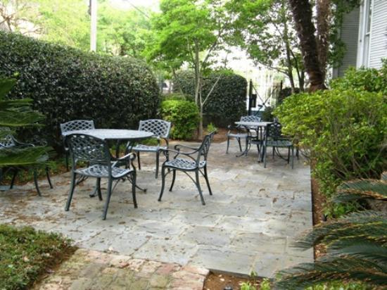 ذا كوين آن هوتل: Garten