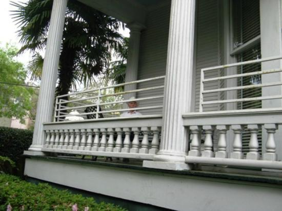 Queen Anne Hotel: Verandah