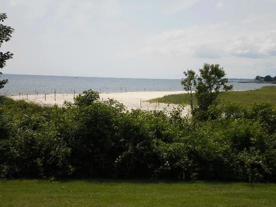 Harkness Memorial State Park: looking toward the beach