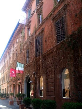 Entrance to Hotel Forte, on Via Margutta