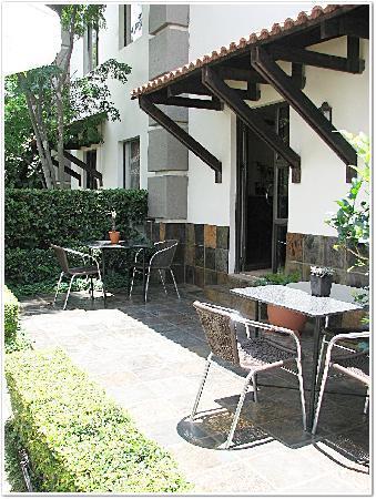 Constantia Manor Guest House: Patio