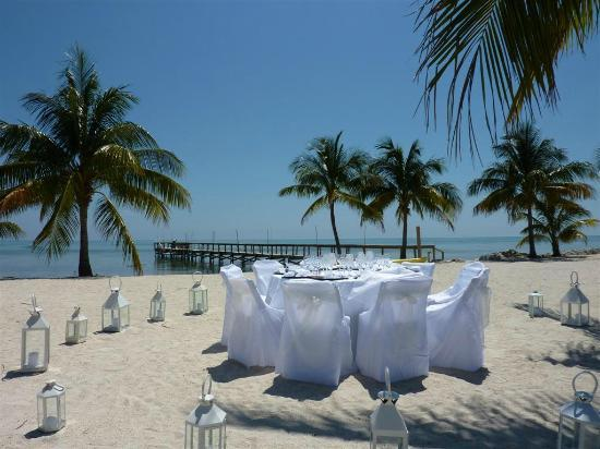 Caribbean Catering: Sunset dinner on the beach