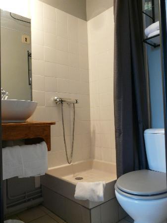 Hotel l'Etoile: Baño