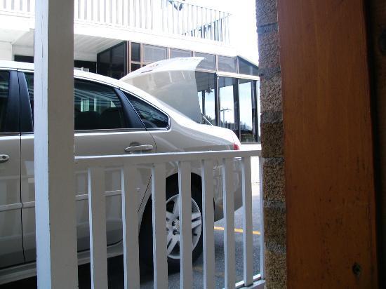 Hotel Georges : vue de la chambre, couloir extérieur