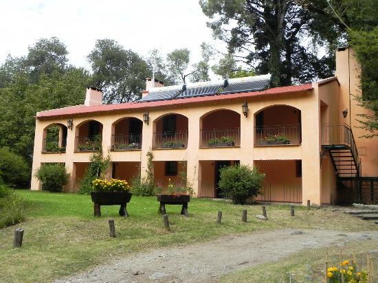 Hotel Loma Bola: Frente cuerpo de habitaciones