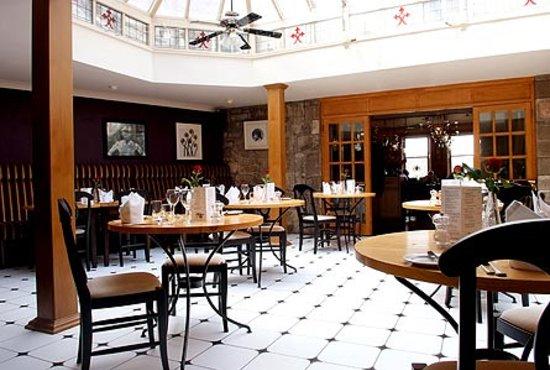 Bailey's Bar & Restaurant: Bailey's Restaurant