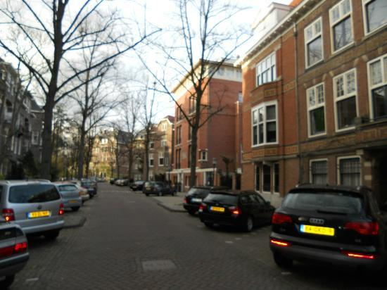 Hotel Central Park: Street where the hotel is located