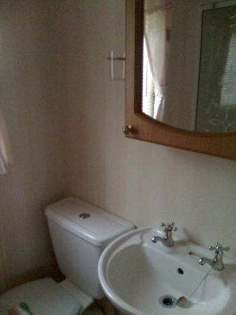 Golden Sands Holiday Park Rhyl: Family Bathroom