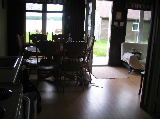 Les Chalets Baie Cascouia: Salle à manger