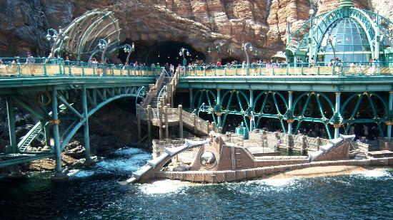 Mysterious Island (40832011)