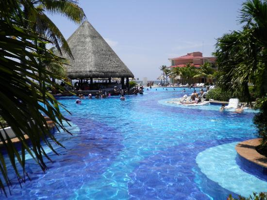 Moon Palace Golf & Spa Resort : Section of Nizuc Pool