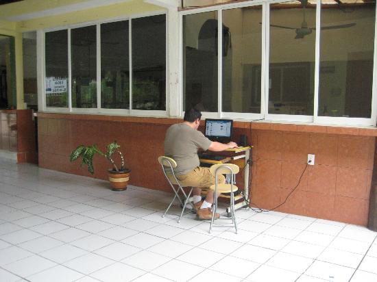 Hotel Palma Real: Hay computadora y conexión WiFi