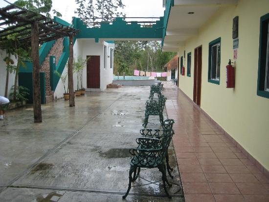 Hotel Palma Real: Vista desde el comedor hacia la alberca