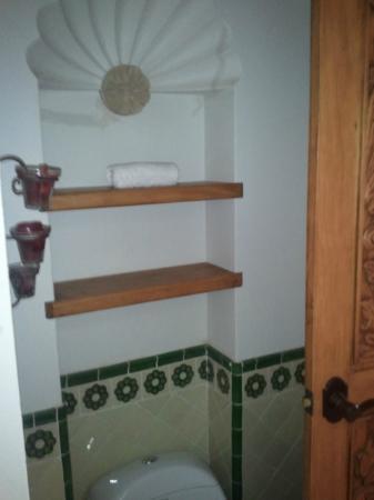 Casa Dionisio: Bathroom