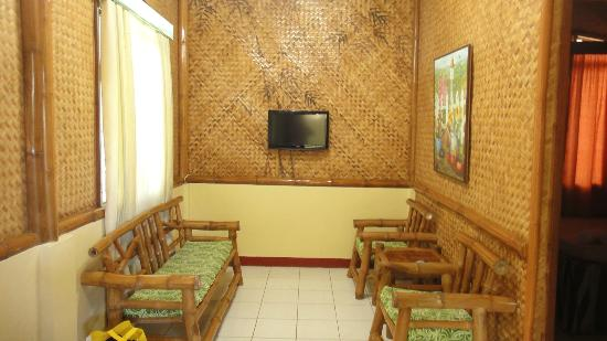 Kawayanan Resort: Living Room