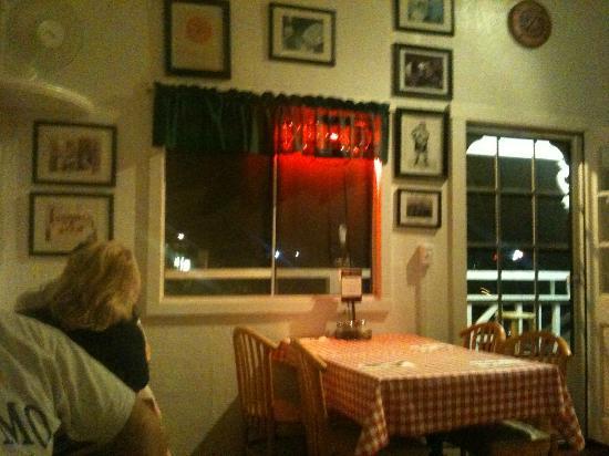 Bobby V's Italian Restaurant Pizzeria: Bobby V's - Table View