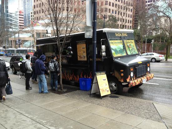Bada Bing Food Truck: Food Truck outside the hyatt