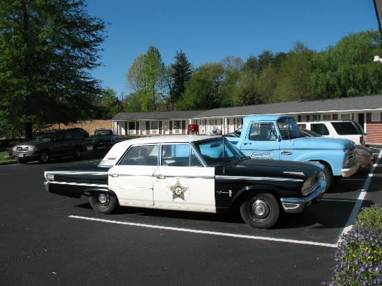 Mayberry Motor Inn: Andy Griffith Show Police Car