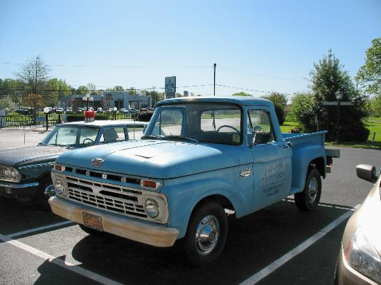 Mayberry Motor Inn: Andy Griffith Show Truck