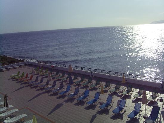 Horizon Beach Hotel: pool