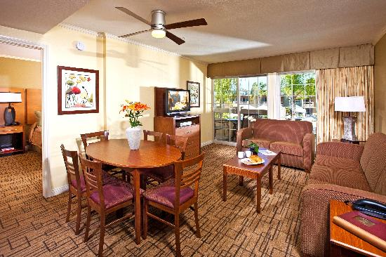 Winners Circle Resort: Kitchen in Two Bedroom Suite