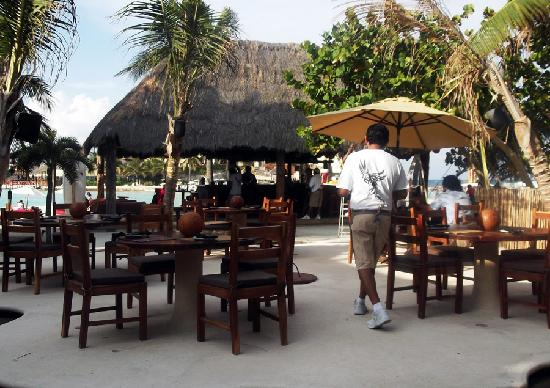 Fenix Lounge Restaurant & Beach Club: Fenix House of Music-IslaMujeres-México www.fenixisla.com www.facebook.com/fenixlounge #fenixis