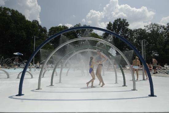 Corydon, IN: O'Bannon Woods Aquatic Center