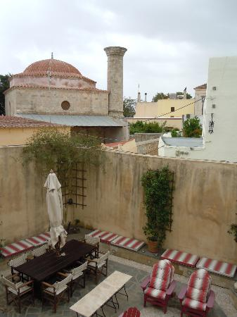 Zacosta Villa Hotel: 部屋からの眺めです。下にはこのヴィラ専用の中庭があります。