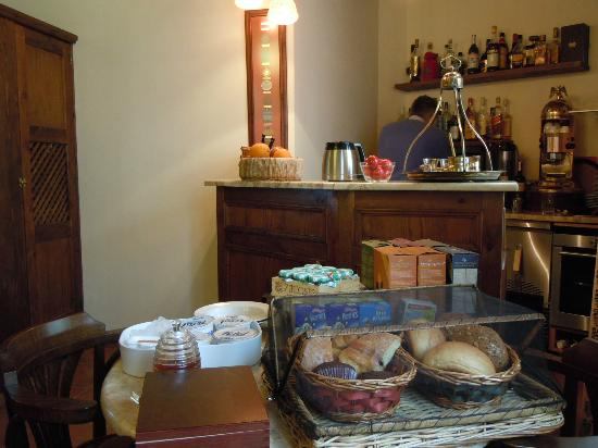 Zacosta Villa Hotel: 朝食の風景