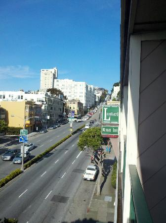 Lombard Motor Inn: View from balcony to the east