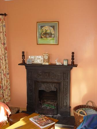 Donmar Cottage: sitting room