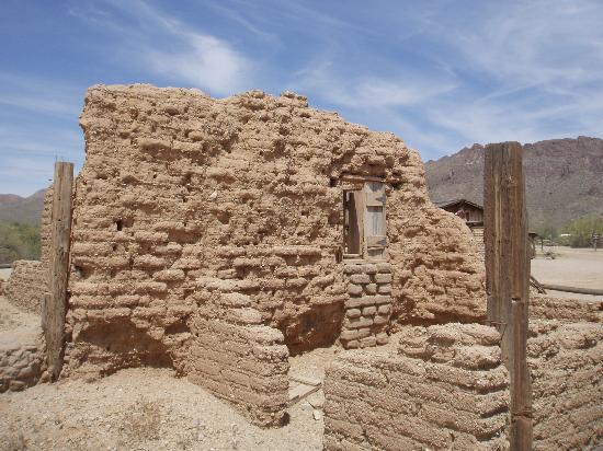 "Old Tucson : Film set of ""Rio Bravo"""